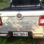 Policia Militar recupera veiculo roubado após ser abandonado por bandidos na estrada de acesso ao Plata Gil.