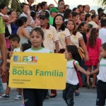 Governo Federal corta 800 mil famílias do Programa Bolsa Família.