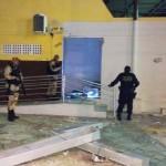 Criminosos explodem caixa de banco em Cruzeta, RN.