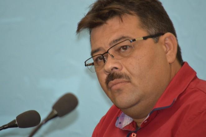 Em Galinhos tem um vereador oposicionista que sabe fazer oposição ao executivo.
