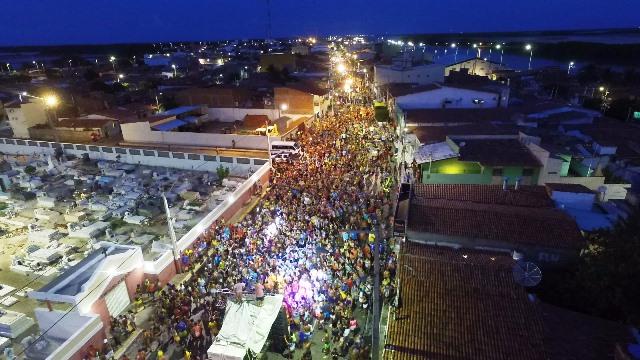 Carnaval de Guamaré: Imagens aéreas feitas por Drone da Avenida Monsenhor José Tibúrcio nesta terça-feira.